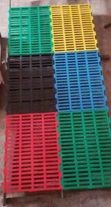 Slotted flooring plastic mat - Good for Goat Farm & Dog Kennel Size:2x1.5 feet