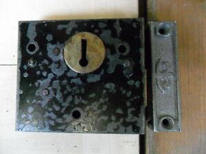 antique door rim lock & keep  box lock & cast iron keep latch no key  ref 12zp