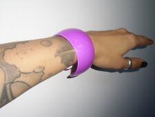 Bracelet violet large plastique fakelite paillettes rétro vintage original pinup