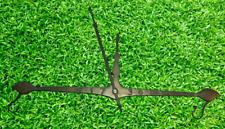 Ancien support Balance à accrocher Laiton Vintage 52cm x 28cm Jardin Potager