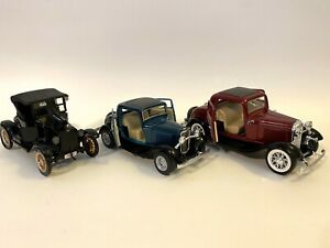 1932 Ford 3 Window Coupe 1:34 Scale X2 & 1925 Ford Model T- 1 Pull Back Car 🚙
