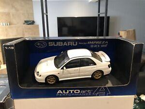 1/18 AUTOART 2001 Subaru Impreza WRX STI WHITE/GOLD MINT USED IN WRONG BOX RARE