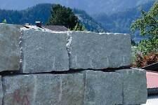 Granitmauersteine Granitblöcke Granitsteine 24t inkl. Lieferung - jetzt ansehen!