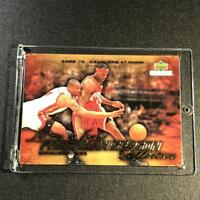 LEBRON JAMES 2003 UPPER DECK COLLECTIBLES #83 FRESHMAN SEASON GOLD FOIL ROOKIE