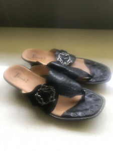 Think Slides Thongs Sandals Size 11 Near New