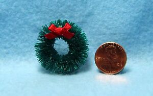 Dollhouse Miniature Simple Christmas Evergreen Wreath with Bow IM65371