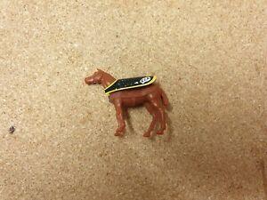 Corgi 1104 Bedford Horse Transporter Horse Plastic Figure Light Brown With Cover