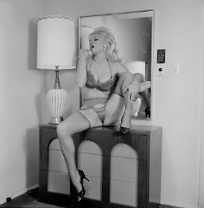 Vintage PINUP Negative & Photo 1960s SEXY KITTY LYNNE Nylons (Nudes)