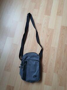 NIKE CORE SMALL ITEMS Organizer Track Bag Tasche Umhängetasche Schultertasche
