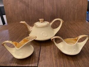 Pearl China Company Hand Decorated 22 Karat Gold Usa. Tea Pot, Creamer And Sugar