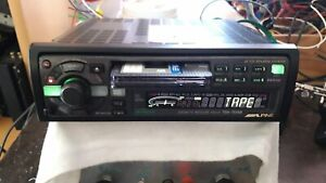 /////ALPINE TDA-7556R CASSETTE RECEIVER 35Wx4 WITH BOX