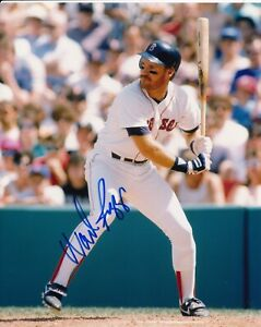 Wade Boggs (HOF) Signed 8x10 Photo - Boston Red Sox