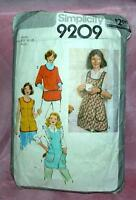 VTG 1979 RETRO PATTERN Small LADIES APRONS SIMPLICITY 9209, CUT, COMPLETE