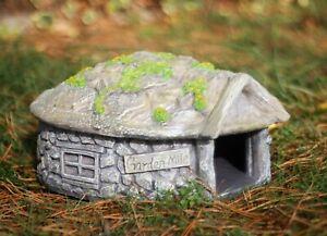 Hedgehog House Hibernation Shelter Resin Predator Proof Outdoor Habitat