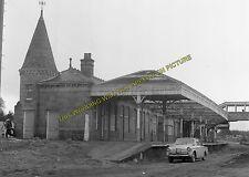 Aboyne Railway Station Photo. Dess - Dinnett. Lumphanan to Ballater Line. (13)