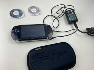 Playstation PSP Console Bundle With 2 Games, Case and Charger Crack On Screen