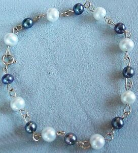 Peacock/Cream Fresh Water Pearl 14Kgf Bracelet | 7 inches |