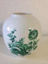 Royal KPM-Porzellan-Vasen mit Blumen-Motiv