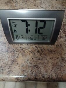 AcuRite Atomic Alarm Clock with Backlight Date Day Temperature & Manual Inc.