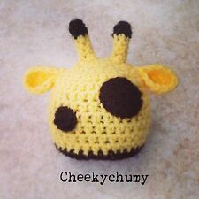 Cute handmade crochet Girafe beanie hat. photo photography prop. nouveau-né.
