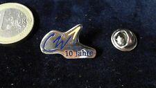 Mercedes Benz daimler chrysler pin badge 10 años charter Way 1992-2002