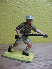 BRITAINS DEETAIL 1970-80   SOLDAT ANGLAIS 8th ARMY  A LA CHARGE WWII