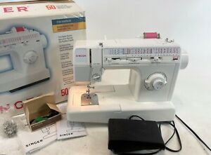 SINGER White Model 5050 C WORKING COMPLETE 50 Setting Sewing Machine w/ Box