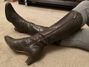 Hobbs Brown Italian Leather Knee High Boots Size 7 EUR 40 US 9