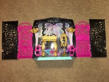 Monster High 13 Wishes Party Lounge ~ With Accessories & connects to Mp3