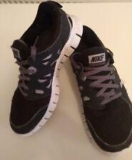 NIKE BLACK & GREY MESH FREE RUN 2 RUNNING TRAINERS SIZE UK 5.5