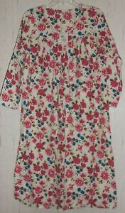 EXCELLENT WOMENS FLORAL PRINT FLANNEL NIGHTGOWN SIZE S
