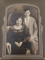 Vintage 1920s / 1930s Photo Happy Couple Flapper Hair Curved Staircase Wicker