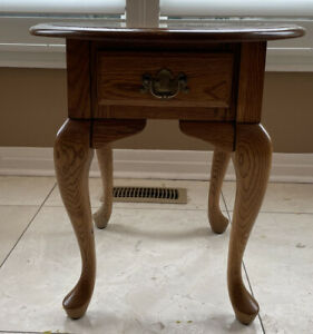 Vintage Queen Anne Antique Oak Oval End Table With Drawer