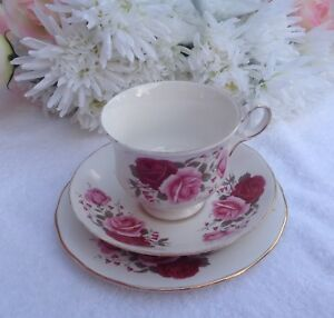 QUEEN ANNE TRIO VINTAGE LOVELY FOR  HIGH TEA SHABBY CHIC