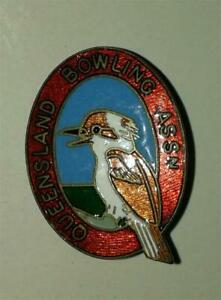 Bowling Badges O to Q Free postage in the UK only