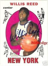 1996-97 TOPPS STARS ROOKIE REPRINT AUTO: WILLIS REED - ON CARD AUTOGRAPH RC