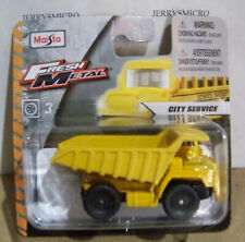 MAISTO FRESH METAL CITY SERVICE SERIES HEAVY DUTY DUMP TRUCK IN YELLOW