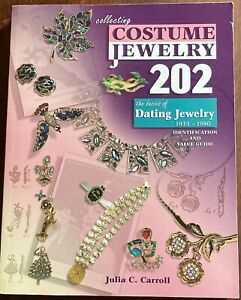 COLLECTING COSTUME JEWELRY 202 ID Value Guide Softcover Book Julia Carroll 2007