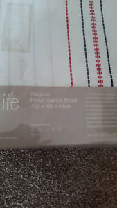 Kingsize Fitted Valance Sheet White Black Red Stripe Life By Coloroll