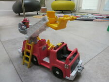 FISHER PRICE - LITTLE POEPLE - camion des pompiers - fire truck