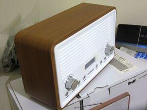 SANDSTROM SDR15 DAB Fm Radio Clock Walnut & White 4W Power 2 X 2w Speaker
