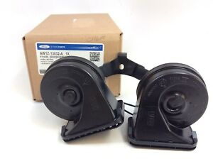 Ford Crown Victoria Grand Marquis Town Car Dual High Low Note Horn new OEM