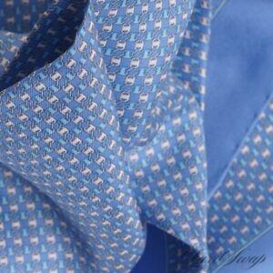 NWT Salvatore Ferragamo Italy Made 100% Silk Baby Blue Chain Link Pocket Square