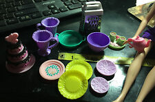 DOLLHOUSE BARBIE SIZE ACCESSORIES kitchen supply lot cake plates cheese grader