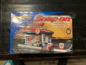 2004 Snap-on Tools Hot Wheels Service Station New in box never opened