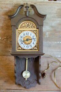 Vintage Spartus Corporation Clock untested
