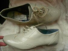 CLARKS 7 40 SHOE NUDE CREAM IVORY PATENT LACE UP BROGUE FLAT LADIES USED LABEL
