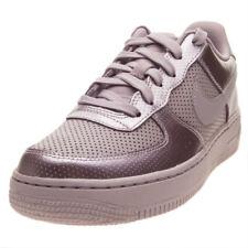 Scarpe Nike Nike Air Force 1 LV8 (Gs) Taglia 38.5 849345-602 Viola