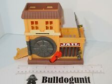 2006 Matchbox Jail & Bank Playset Toy Robbery Rescue MBX Diecast Car