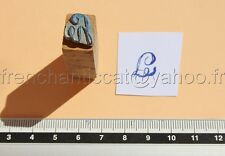 C974 Mercerie ancien tampon encre Monogramme lettre J broderie tissu Embroidery